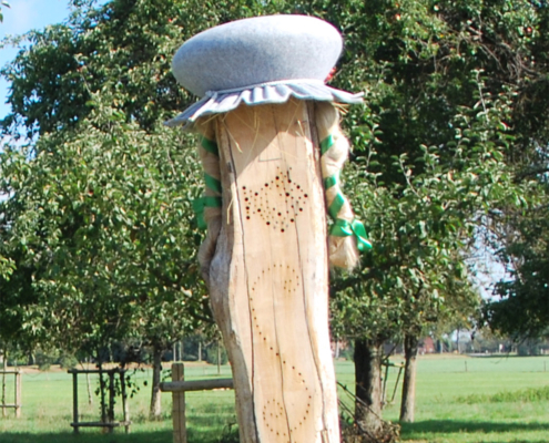 Stele #106 im heiligen Bruch